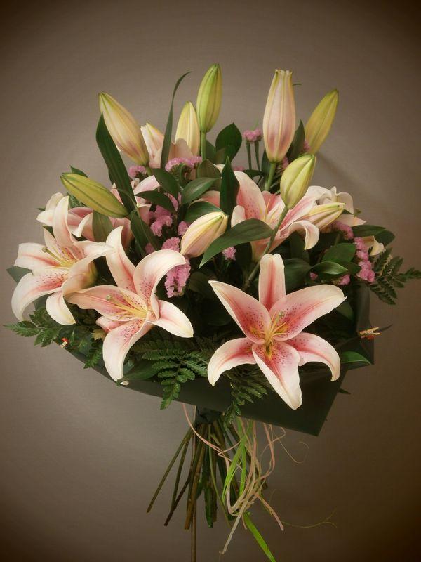 Ramo de lilliums orientales