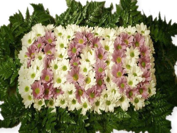 Números hechos con flores para cumpleaños