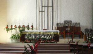 Efimeras-decoraciones-florales-parroquia-pio-x (1)
