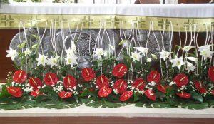 Efimeras-decoraciones-florales-parroquia-pio-x (13)