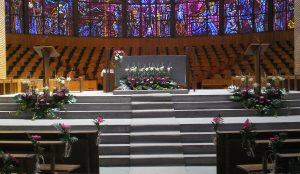 efimeras-decoraciones-florales-madrid-iglesia-san-pedro-martir-dominicos (14)