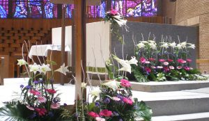 efimeras-decoraciones-florales-madrid-iglesia-san-pedro-martir-dominicos (5)