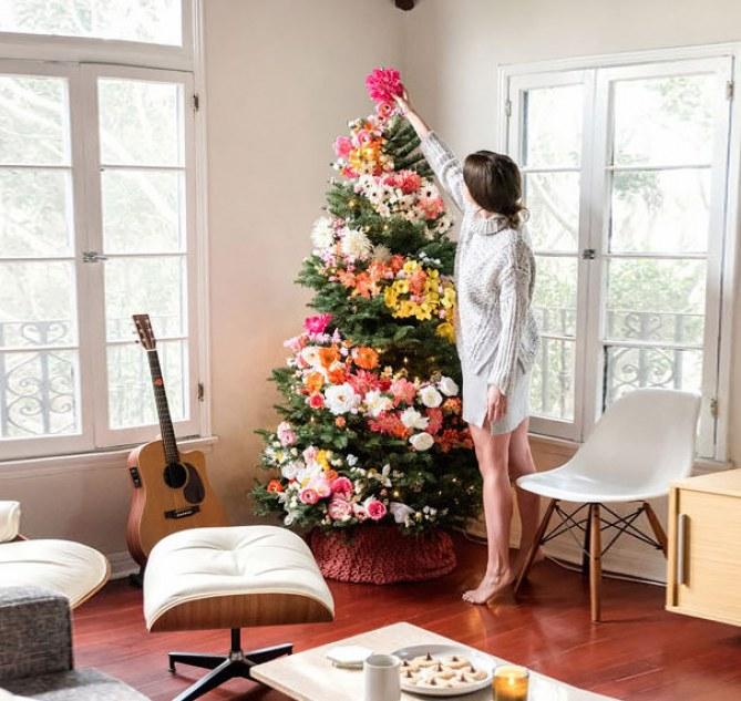 arbol-de-navidad-con-flores