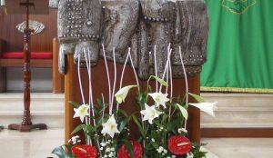 Efimeras-decoraciones-florales-parroquia-pio-x (11)