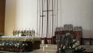 Efimeras-decoraciones-florales-parroquia-pio-x (6)
