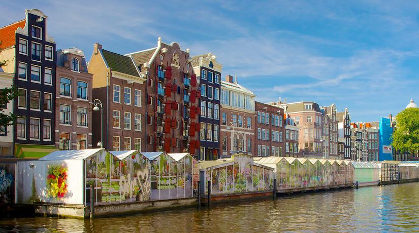 Mercado flotante de flores en Holanda
